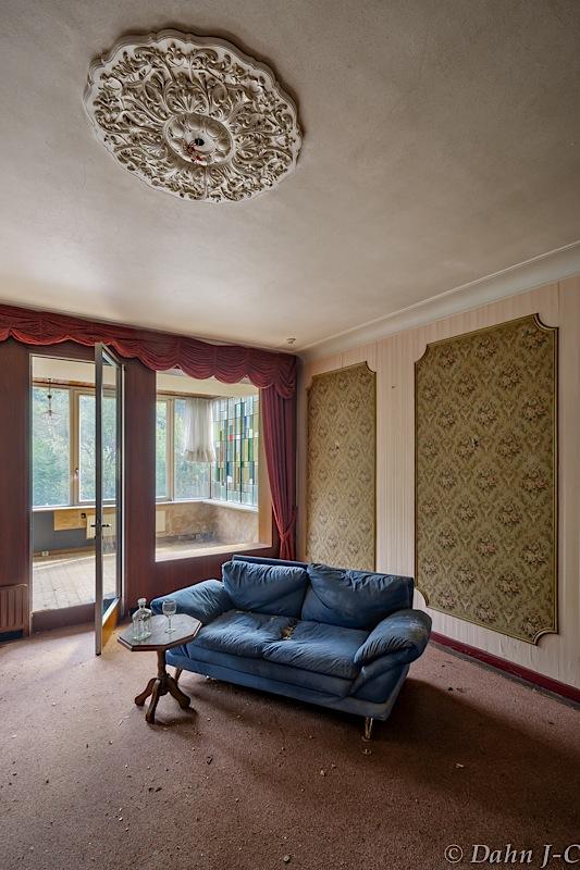 Blue-couch by ZerberuZ