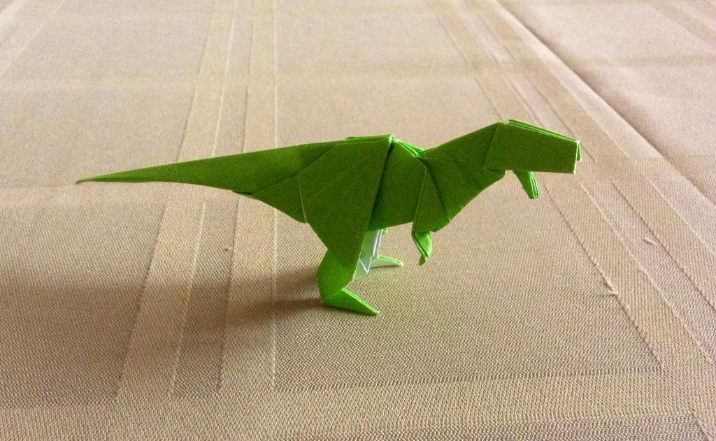 Как сделать тираннозавра из бумаги оригами видео