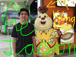 Me (Jason CDR) next to the King Bee Mascot selfie by JasonCDelaRosa2019