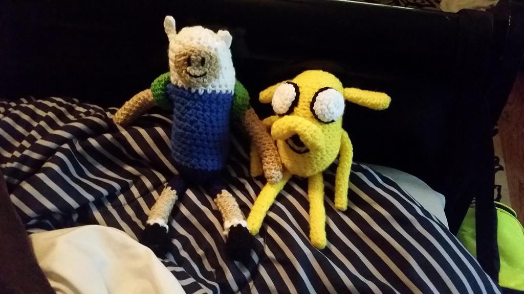 Finn and Jake crocheted by mizukiiuchiha