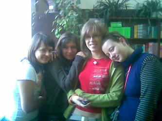 Dziewczyny z biblioteki by Inachis-Io