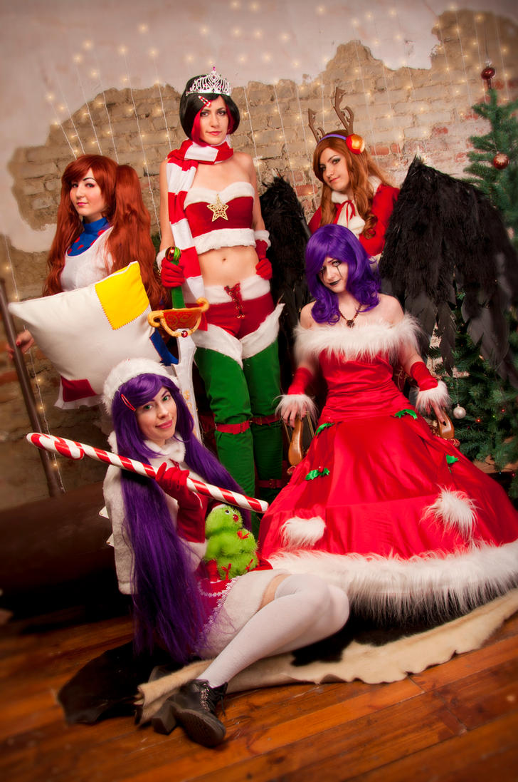 LoL: Christmas Party by Oyuka