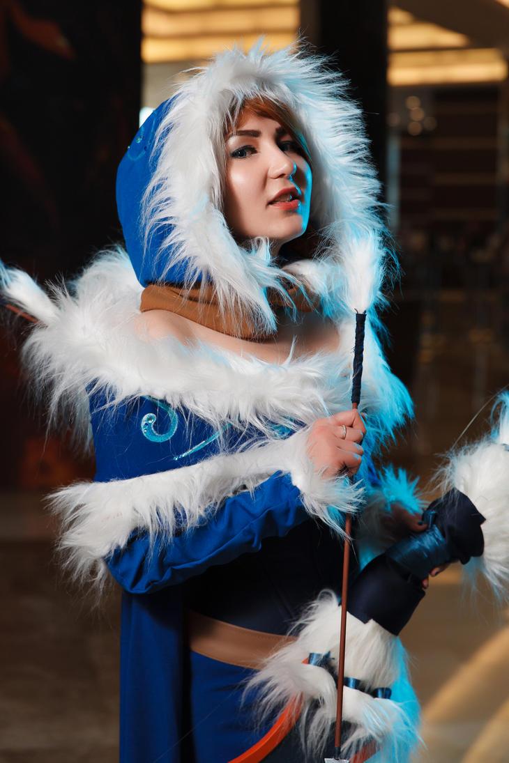 Snowstorm Mirana cosplay by Oyuka