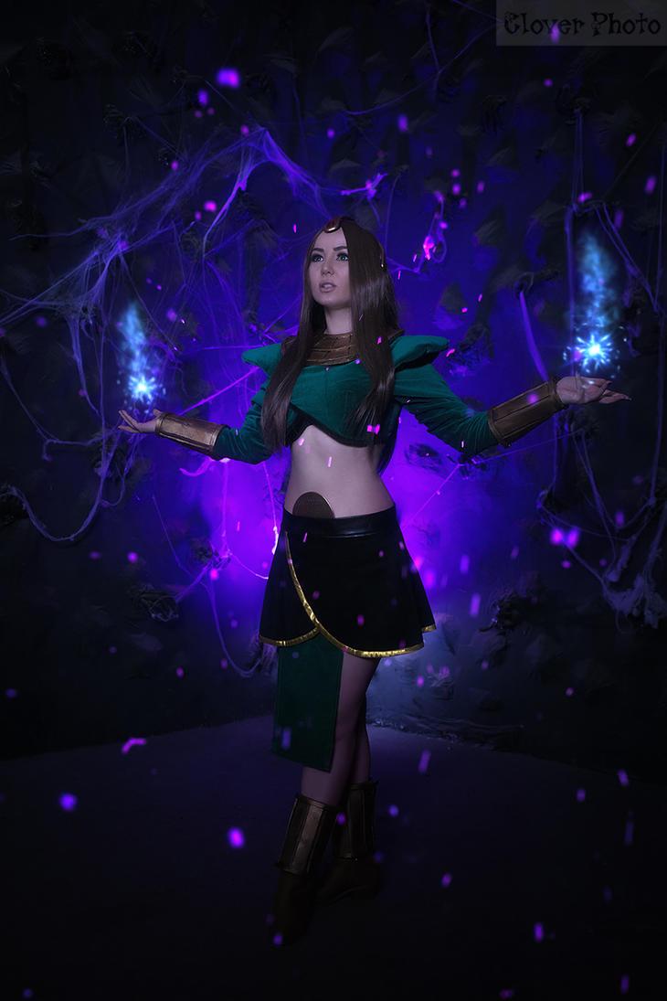 Sorceress Diablo 2 by Oyuka
