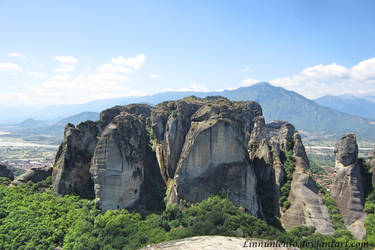 Monoliths of Meteora by Linnunlento