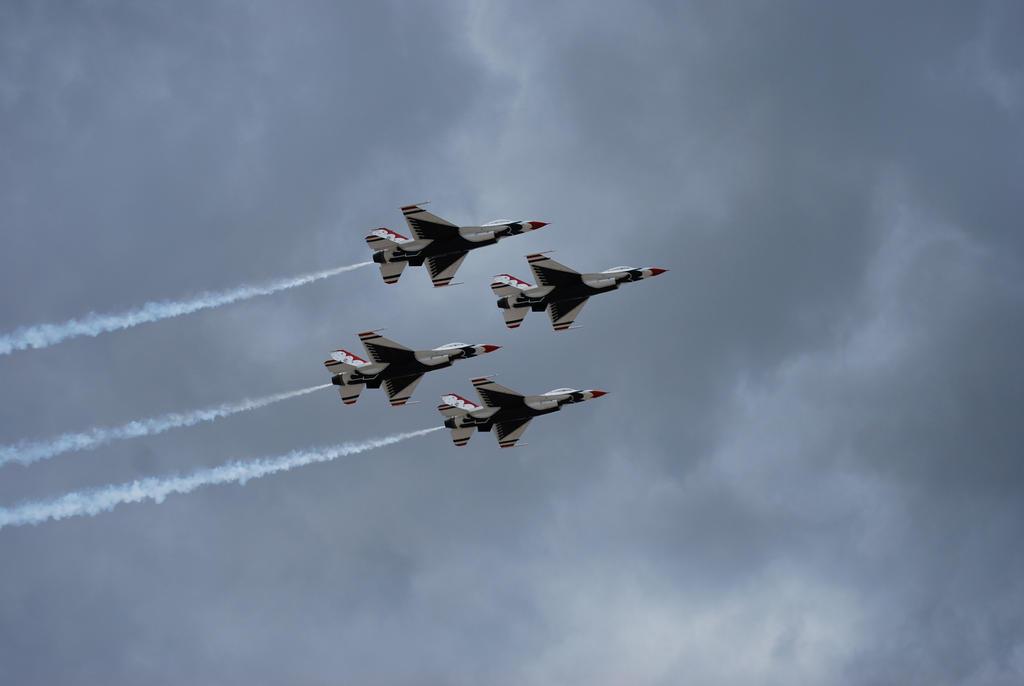 USAF Thunderbird's by Ramsey06
