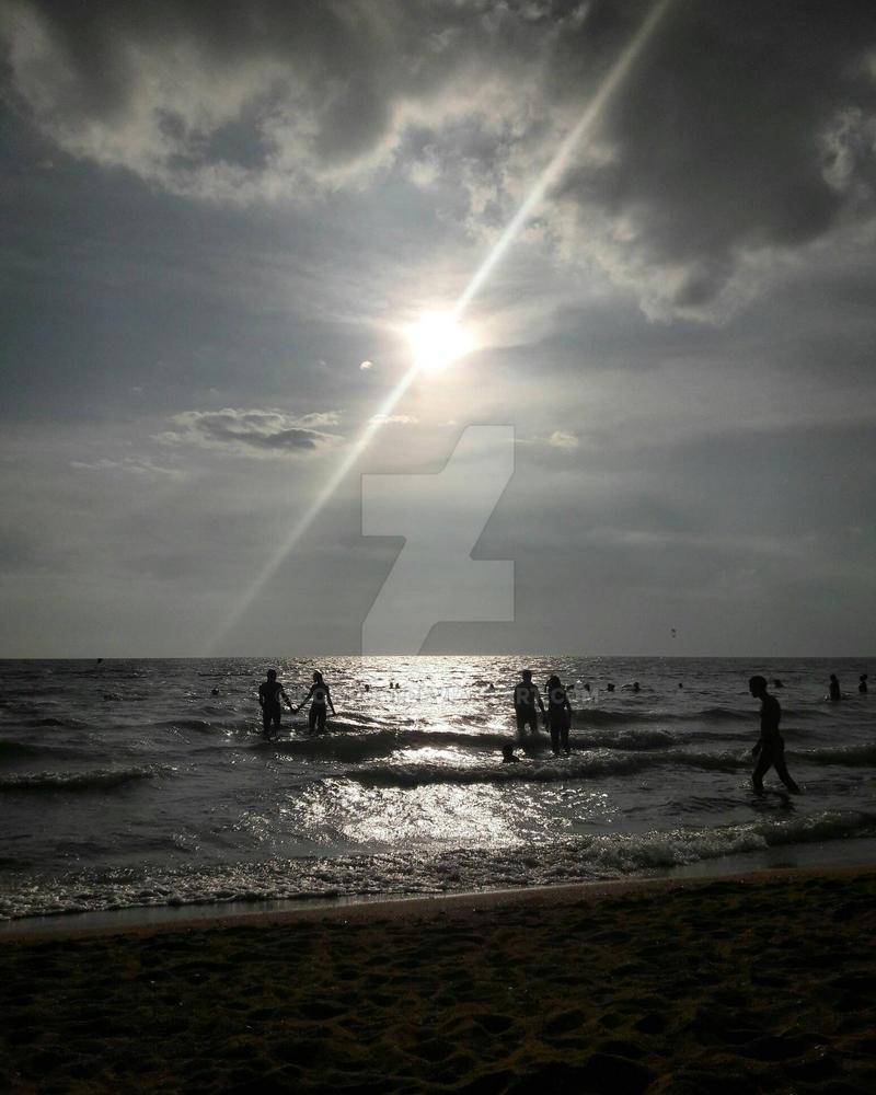 Half Sea Half Sky by cowpuai