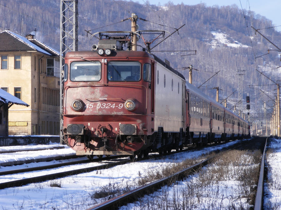 Express Train no. 1824 by Sadguardian