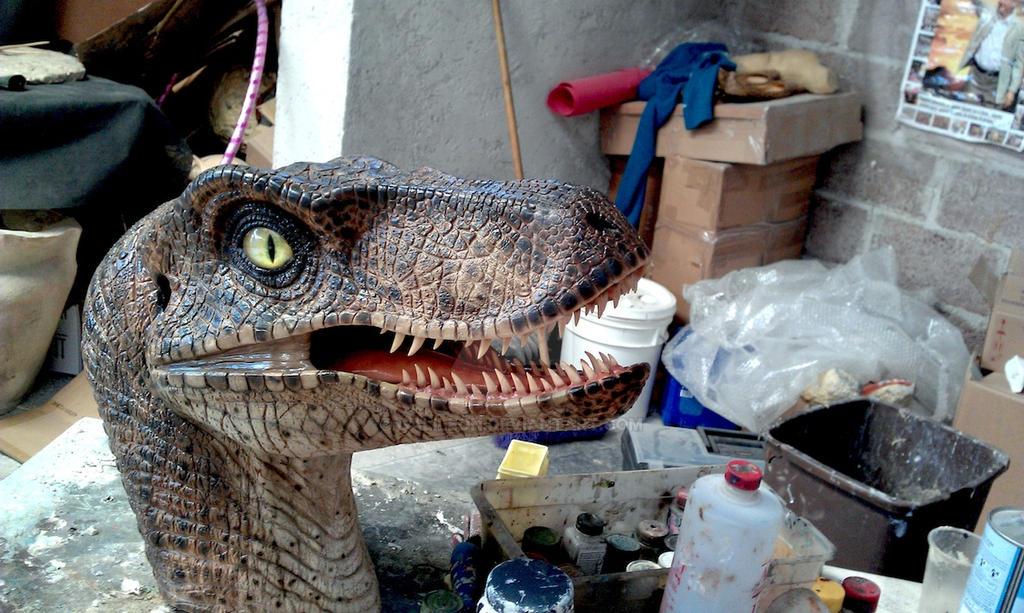 Raptor bust by GalileoN