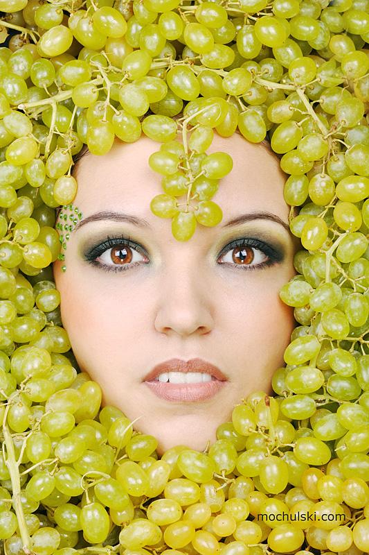 sister green grape by mochulski