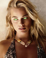 Margot Robbie Mindwiped and Ready to Serve by hypnospects