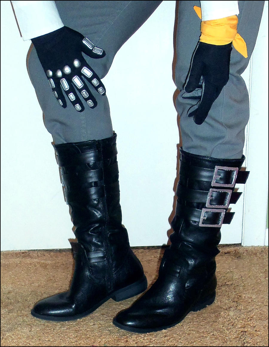 Hope Estheim FFXIII-2 WIP: Boots and Gloves by Kynessent