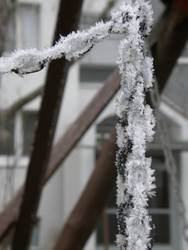 Winter 12 - Frozen chain by Gwathiell