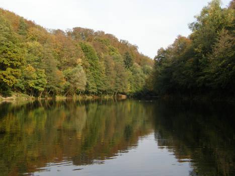 Autumn08 05 Autumn Lake