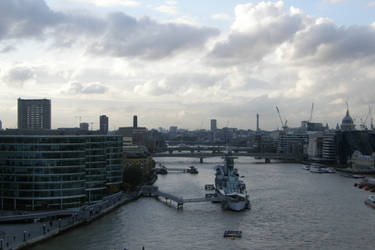 London 25a River life by Gwathiell