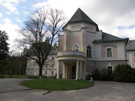 Lefantovce - Front of mansion