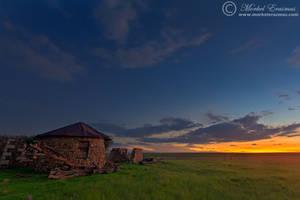 Farmhouse Ruins by MorkelErasmus