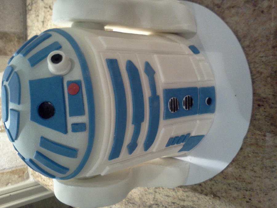 Star Wars R2D2 by CoutureCupcakes