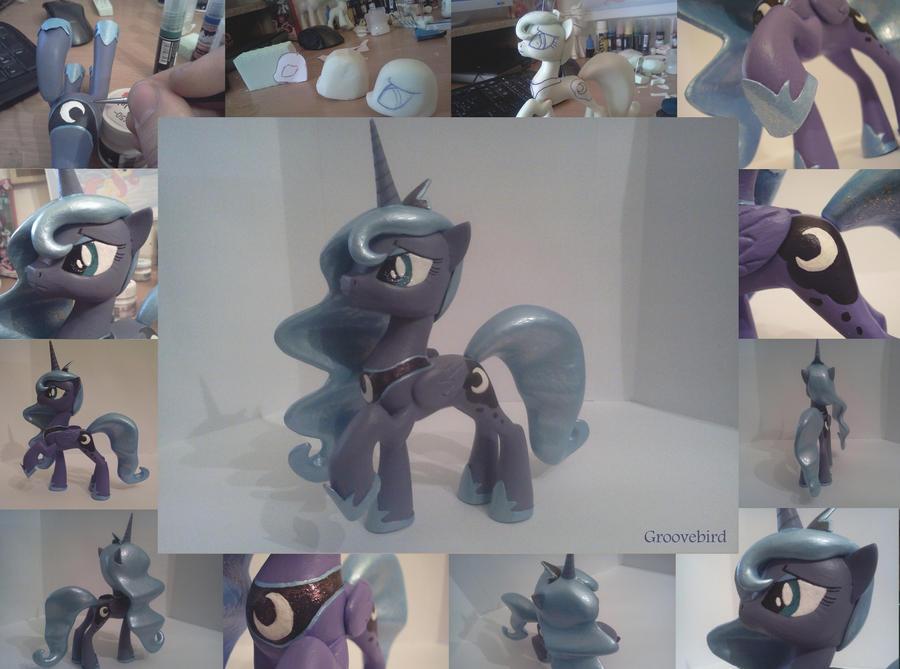 Luna 2 by Groovebird