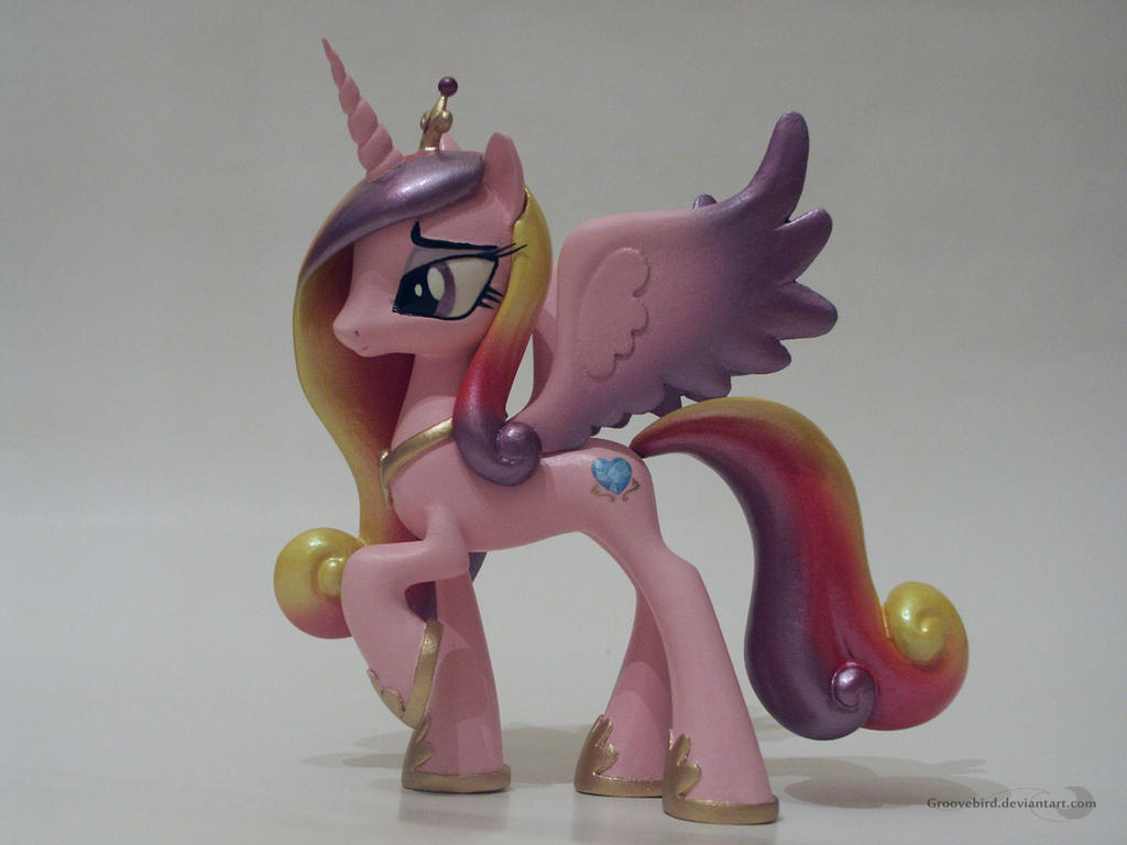 Princess Cadance by Groovebird