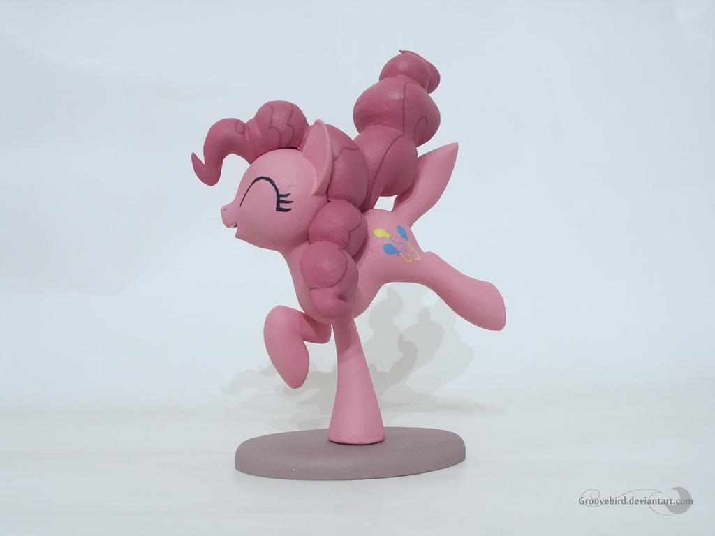 Pinkie Pie by Groovebird