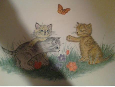 3 little kittens playing