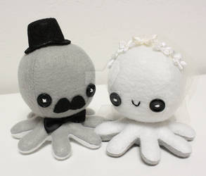 Wedding octo-plushies