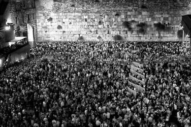 Yom Kippur at Jerusalem Western Wall by DaniBabitz