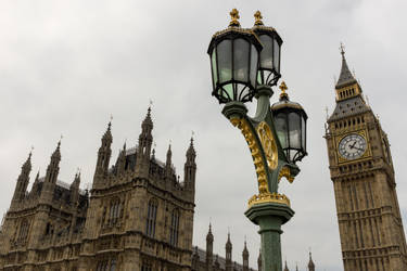 London , UK by DaniBabitz