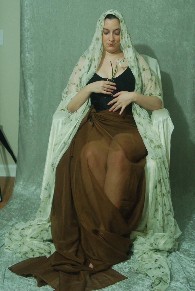 Veiled Nouveau Lady 13