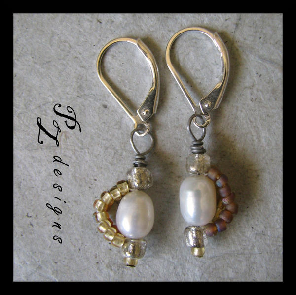 - Patti__s_Pearls_Earrings_by_PurlyZig