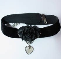 Black rose chocker by Pinkabsinthe