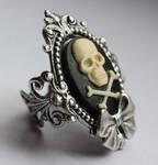 Skull cameo gothic ring