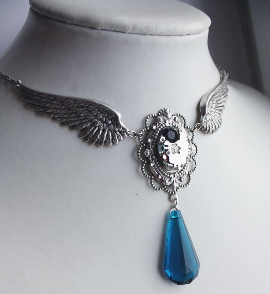 Steampunk sapphire necklace by Pinkabsinthe