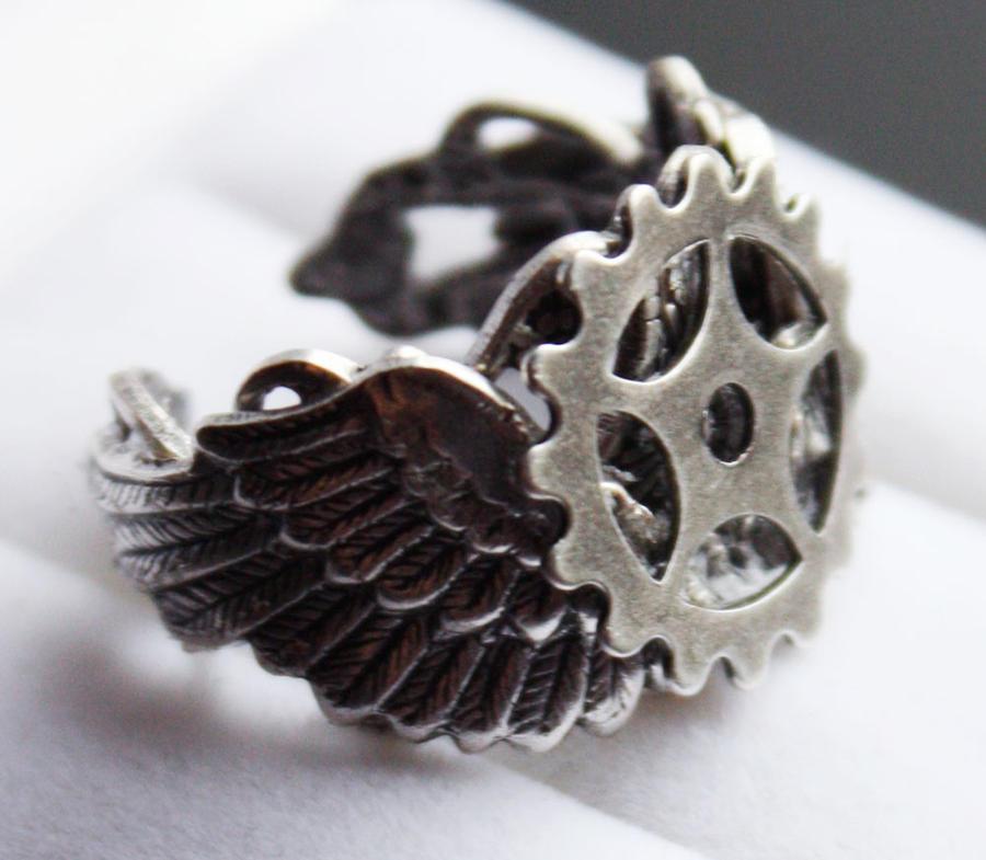 Steampunk ring by Pinkabsinthe