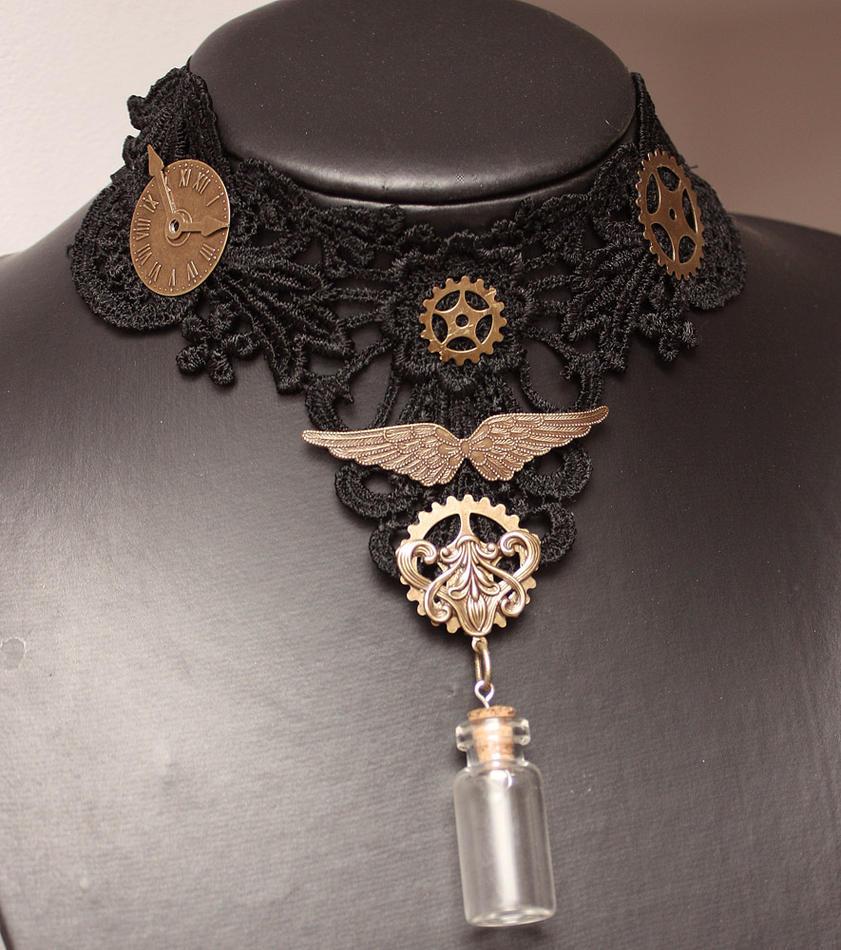 Textile collar by Pinkabsinthe