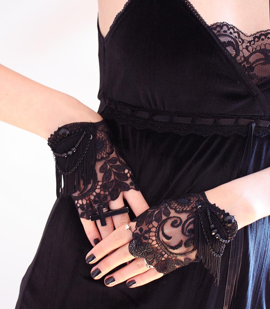 Short glamour mittens by Pinkabsinthe