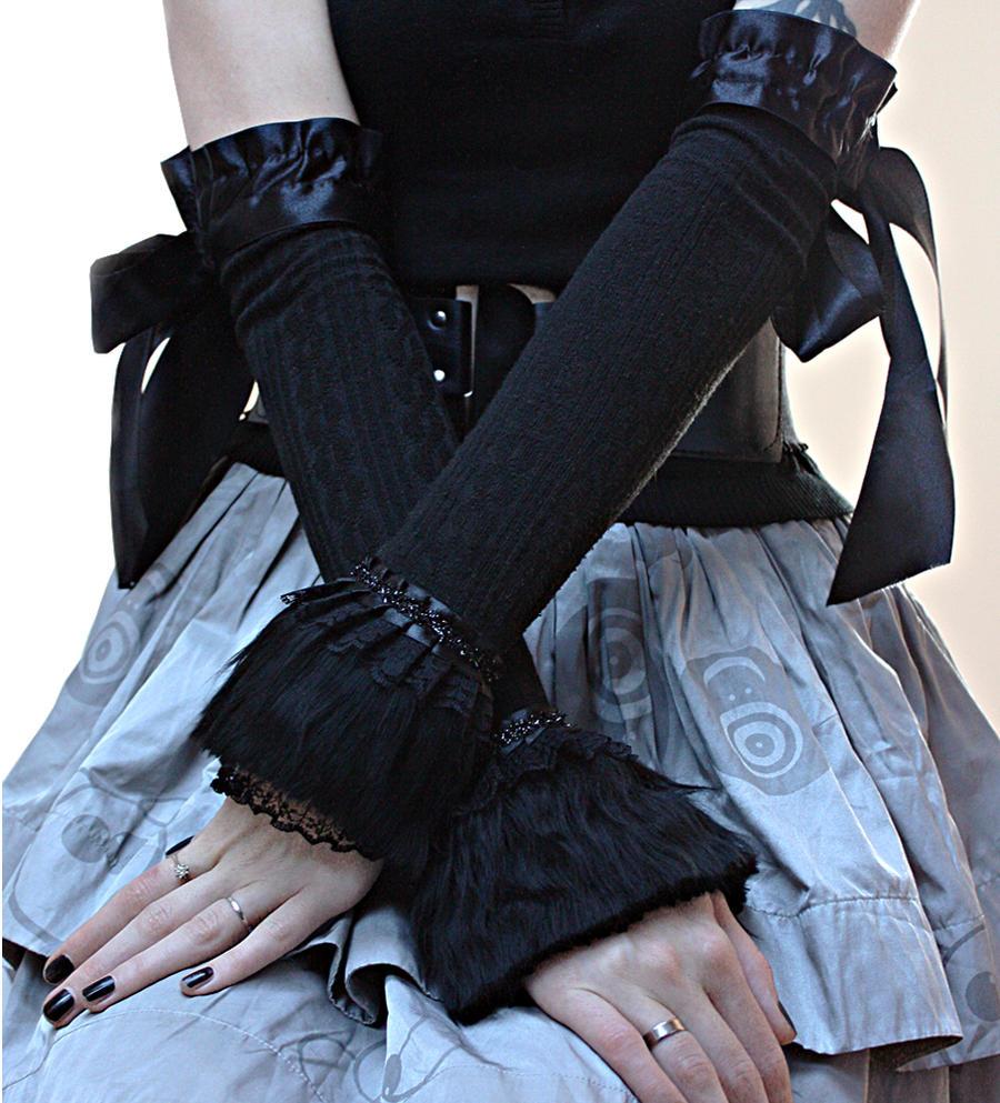 Winter gothic gloves by Pinkabsinthe
