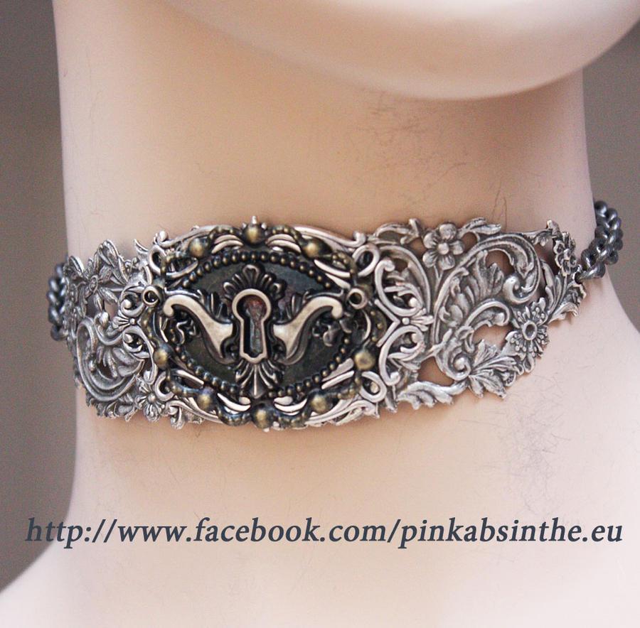 Keyhole choker (silver)2 by Pinkabsinthe