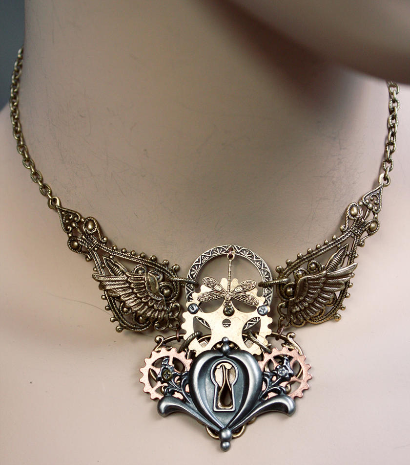 Dis.2013 keyhole gear necklace by Pinkabsinthe