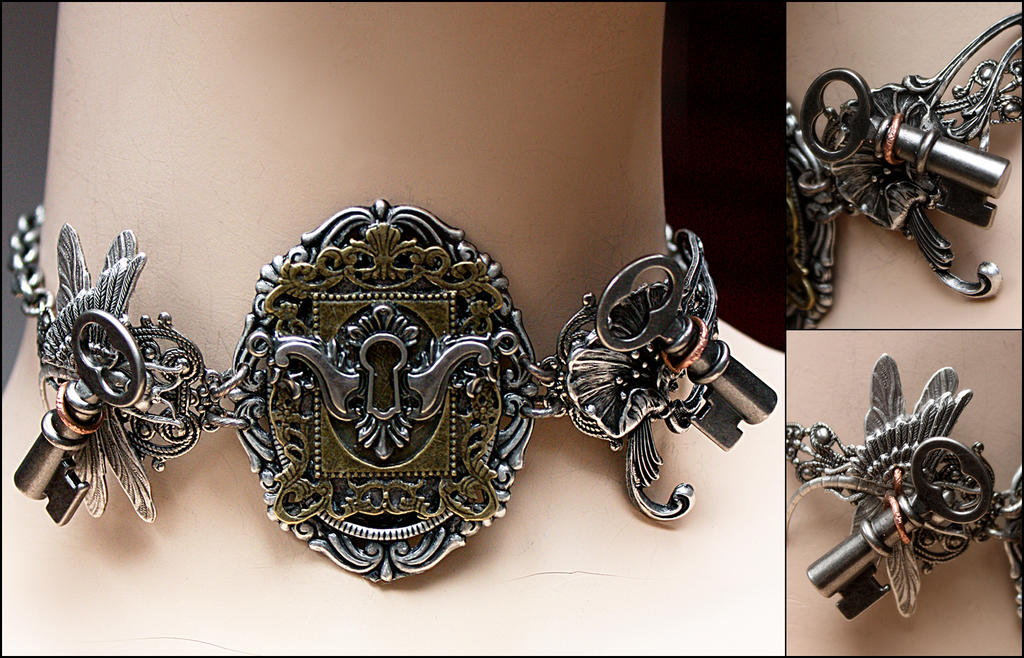 Key hole collection (necklace, details) by Pinkabsinthe