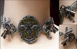 Key hole collection (necklace, details)