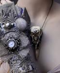 Set of cuff and skull pendant I
