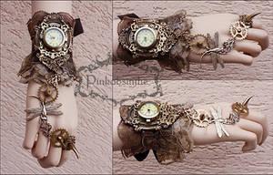 Claw Wrist Cuff by Pinkabsinthe