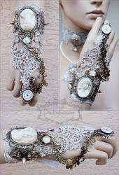 Wedding wrist ornament