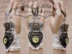 Mechanical butterfly watch cuff