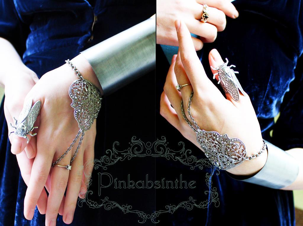 Mehndi style bracelet by Pinkabsinthe