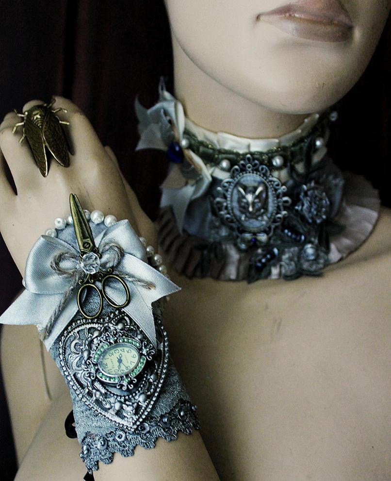 Scissors cuff by Pinkabsinthe
