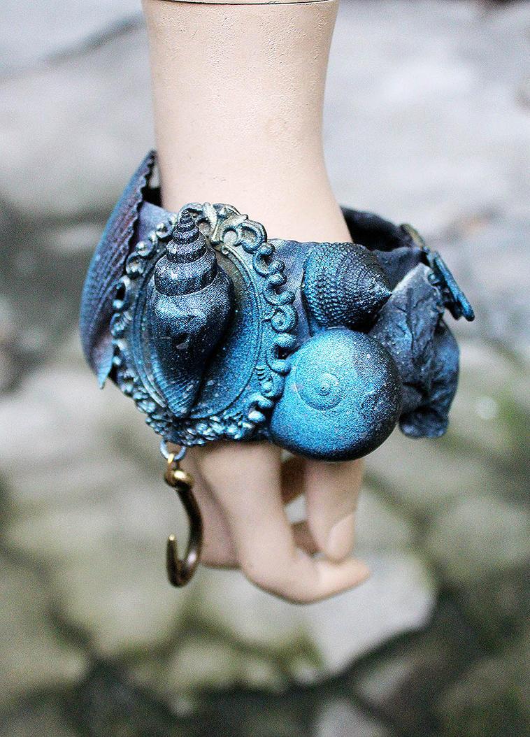 Black Mermaid by Pinkabsinthe