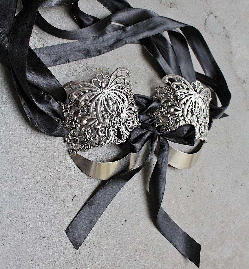 Burlesque bra by Pinkabsinthe